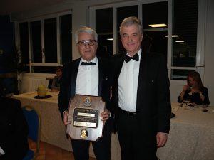 16-12-2016 Consegna Melvin Jones al past president Marco Vitale